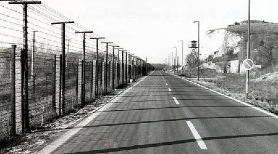 television-radio-border-4